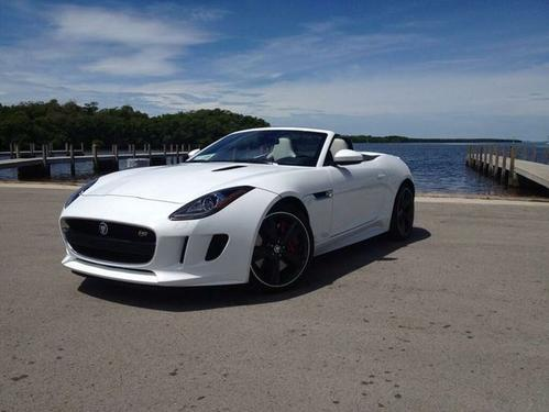 最近在纽伯格林赛道上发现了一些神秘的Jaguar F-Type原型