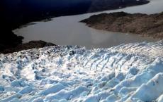 美国交易员支撑着冬季风暴朱诺