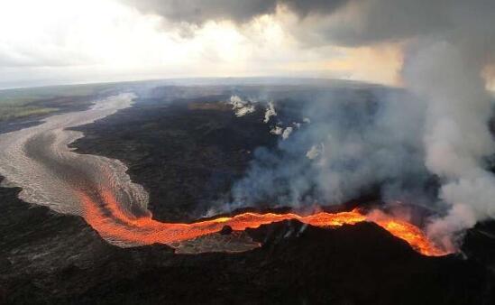 火山灰的形状影响火山活动区水源的污染