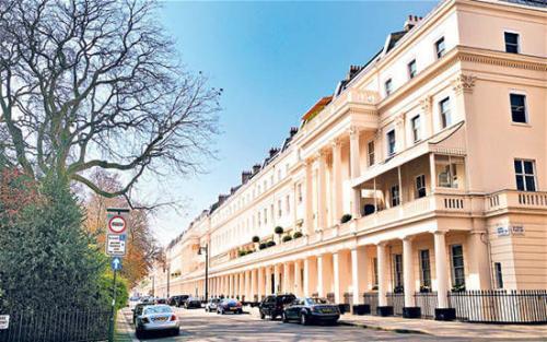 切尔西联排别墅由安德烈斯蒂尔建筑