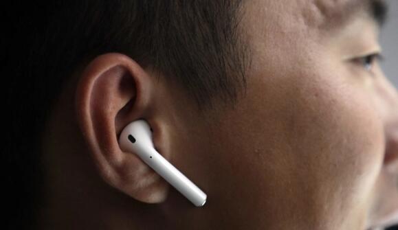 泄漏可能只是揭示了苹果全新的AirPods 3设计